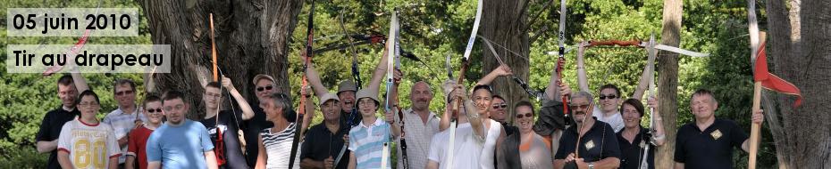 Photos du traditionnel tir au drapeau, lors de la fête annuelle de la Compagnie, le 05 juin 2010, au château des Garennes, à Clohars-Fouesnant.